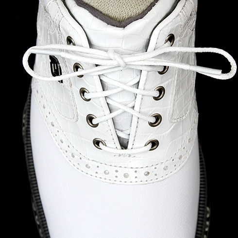 Eyelets Too Far Apart Shoe is too small, too narrow, or both.
